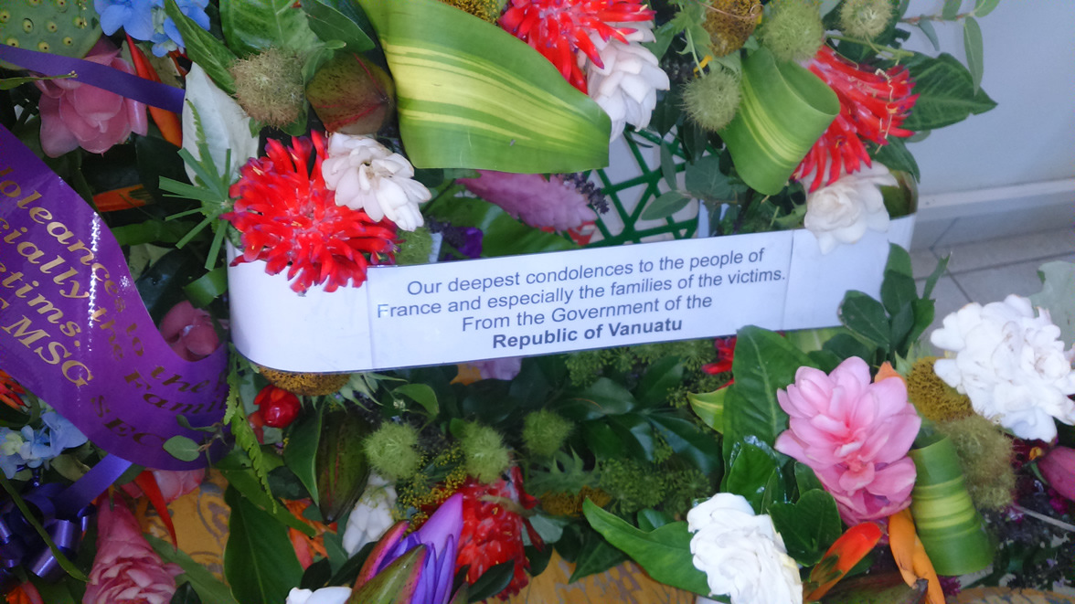 18 Nov 2015 - Flowers in Tribute for the Paris victims 5