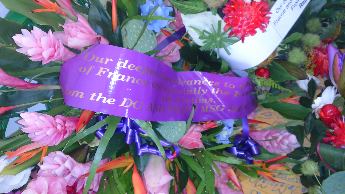 18 Nov 2015 - Flowers in Tribute for the Paris victims 6